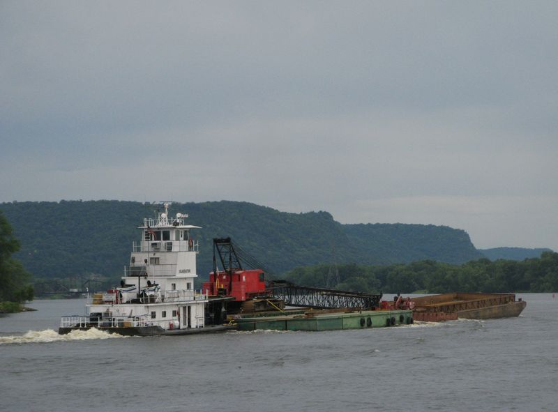 Barge1-web